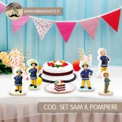 Nastro di raso rosso decorativo  dimensioni 0.3 cm x 55 m 100% Poliestere